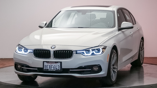 Pre-Owned 2018 BMW 3 Series 330i Sedan